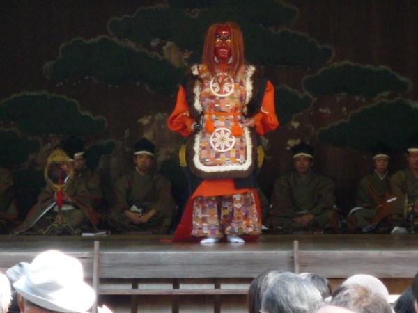 靖国神社創立140年祭: 邦楽と畑と剣睛山